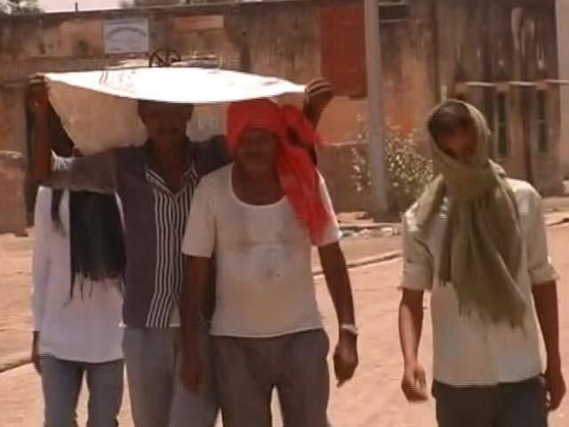 Videos : इंडिया 7 बजे : सूरज के तीखे तेवर, देश में पहली बार पारा 51 डिग्री पहुंचा