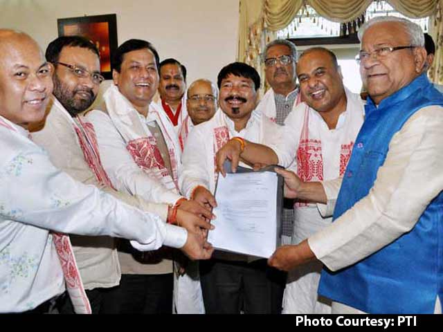 Video : Leaders Of Anti-Foreigner Movement Endorse Sarbananda Sonowal For Top Job