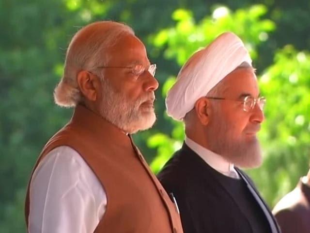 Videos : दो दिवसीय दौरे पर ईरान पहुंचे पीएम नरेंद्र मोदी