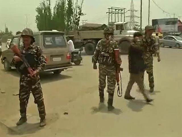 Video : 2 Of The Cops Killed In Terror Strikes In Srinagar Were Unarmed