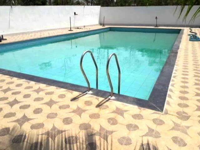 Video : A Swimming Pool For Officer's Home In Drought-Hit Chhattisgarh