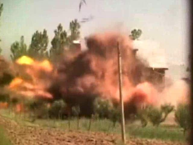 Video : Two Encounters In Jammu and Kashmir, A Soldier And 6 Terrorists Killed