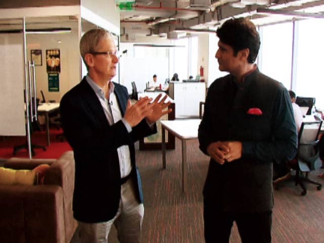 Video : Apple CEO Tim Cook Travels with NDTV in India