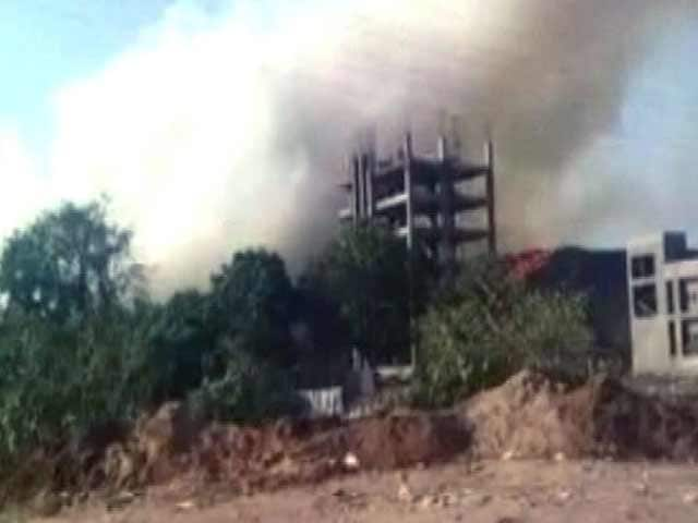 Video : Garbage Dump Fire Near Mumbai Affects Colony Of 1,500