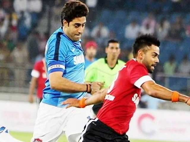 Video : Virat Vs Abhishek in a Football Match