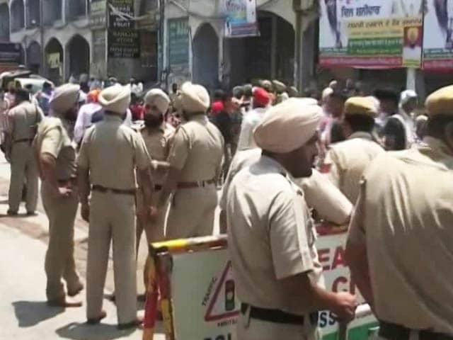 Videos : ऑपरेशन ब्लू स्टार की 32वीं बरसी, कई शहरों में सुरक्षा के कड़े इंतजाम