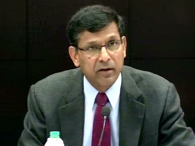 Video : Raghuram Rajan Holds Repo Rate, Jokes About Second Term