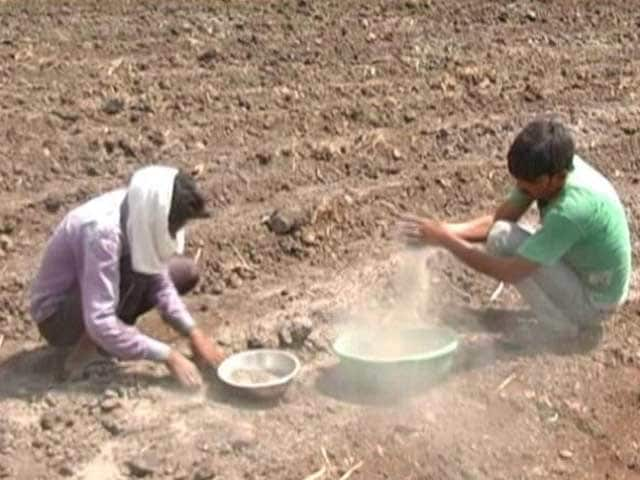 Video : Fly Ash Causing Havoc Across A Dozen Villages In Madhya Pradesh