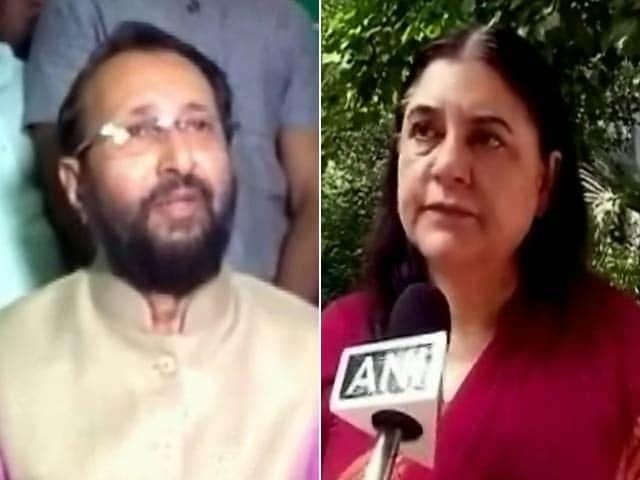 Videos : इंडिया 7 बजे : नीलगाय पर भिड़े मोदी सरकार के दो मंत्री