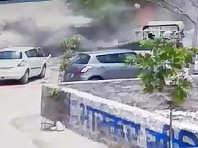 Video : Caught On Camera: Moment When MiG-27 Crashed In Jodhpur
