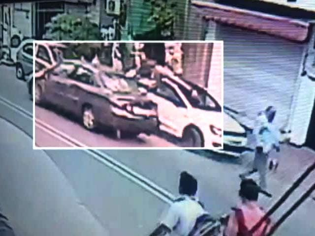 Video : Caught On Camera: Drunk Driver Hits, Runs, Hits Again in Delhi. 2 Dead.
