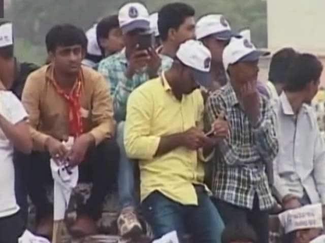 Video : गुजरात में पटेलों पर विपक्षी पार्टियों की नज़र