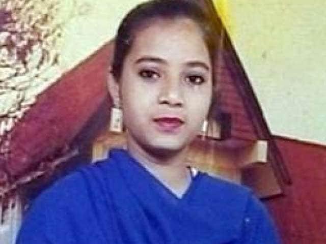 Video : इंडिया 7 बजे : इशरत केस की गुम फ़ाइलों की जांच में धांधली?