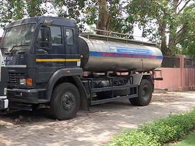 Videos : दिल्ली : टैंकर घोटाले में सीएम अरविंद केजरीवाल भी घिरे