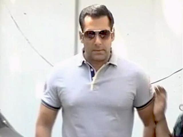 Videos : सलमान खान ने दिया विवादित बयान, चौतरफा हो रही है आलोचना