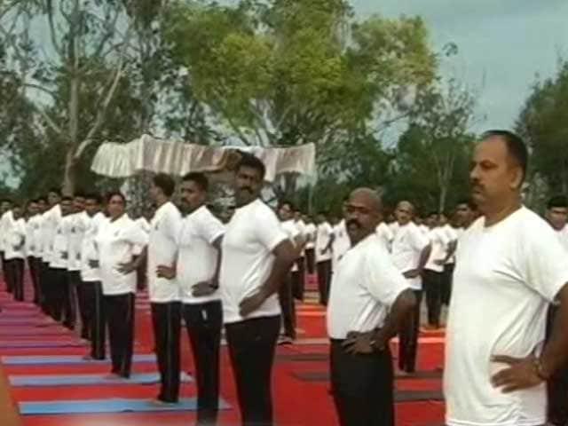 Video : अंतरराष्ट्रीय योग दिवस पर सेना भी डूबी योग के रंग में