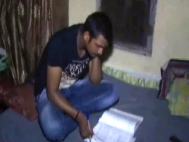 Videos : जज्बे को सलाम : जेल में रहकर पीयूष ने पास की IIT प्रवेश परीक्षा
