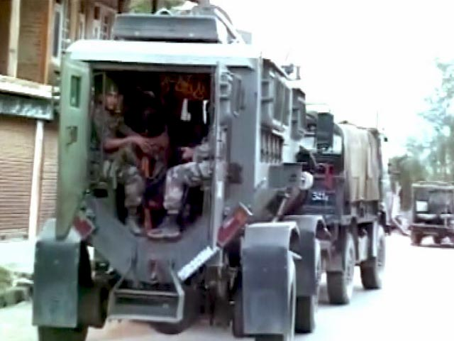 Videos : कुपवाड़ा में सेना और आतंकियों के बीच मुठभेड़