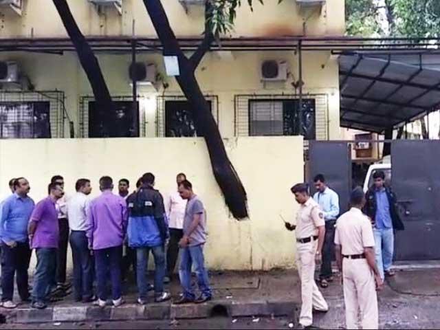 Videos : महाराष्ट्र : एटीएम कलेक्शन सेंटर से नौ करोड़ की लूट