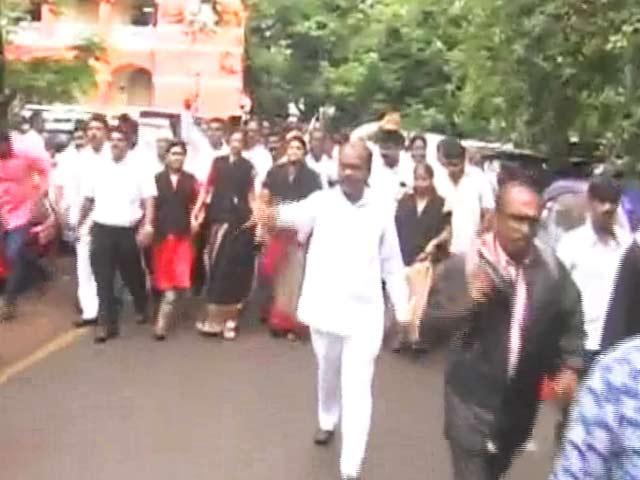Videos : 7वें वेतन आयोग से नाराज कर्मचारी महासंघ ने दी हड़ताल की धमकी