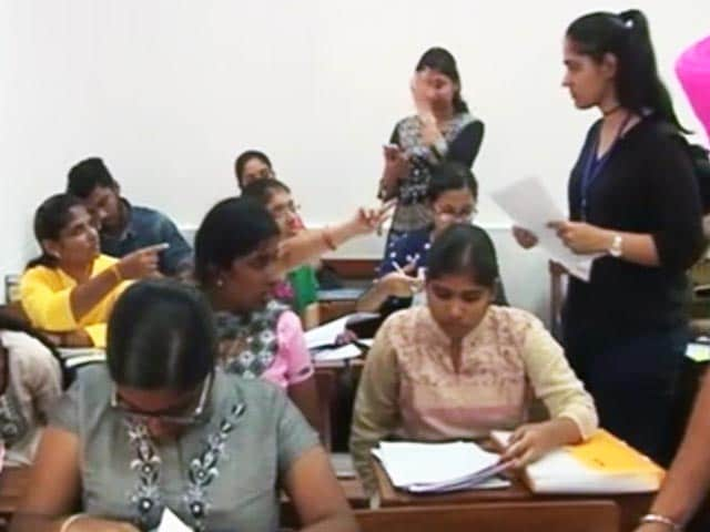 Videos : दिल्ली यूनिवर्सिटी : ग्रेजुएट प्रोग्राम के एडमिशन के लिए कट-ऑफ लिस्ट जारी
