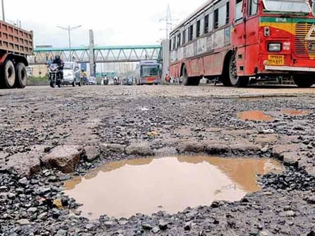 Videos : मुंबई में सड़कों की मरम्मत के नाम पर करोड़ों का घोटाला