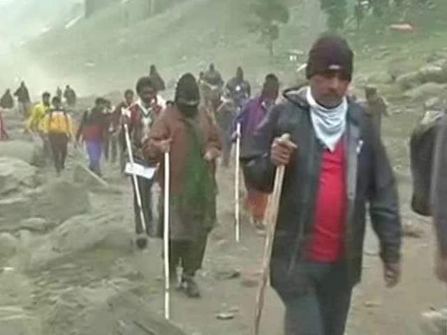 Video : Amarnath Yatra Begins Amid Terror Threat, Rajnath Singh Among First Devotees