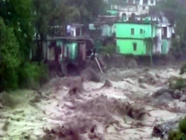 Videos : उत्तराखंड में भारी बारिश से तबाही, कई इलाकों में बादल फटने से फ्लैश फ्लड