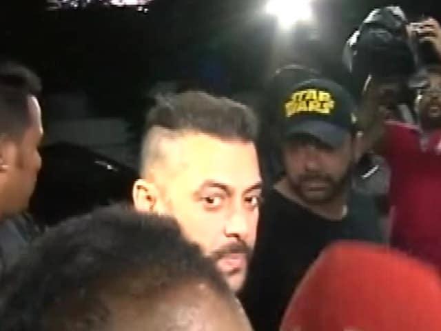 Videos : माफ़ी मांगने के सवाल पर भड़के सलमान खान