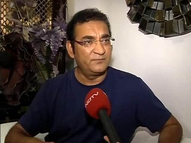 Video : Singer Abhijeet In Trouble After Abusing Journalist On Twitter