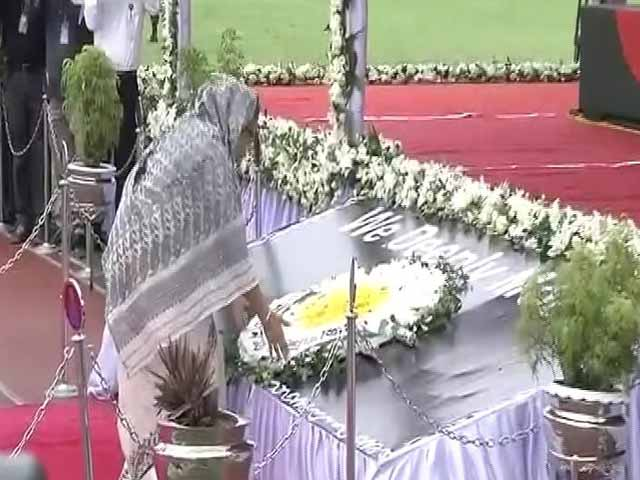 Video : Bangladesh Prime Minister Pays Her Respects To Victims Of Dhaka Attack