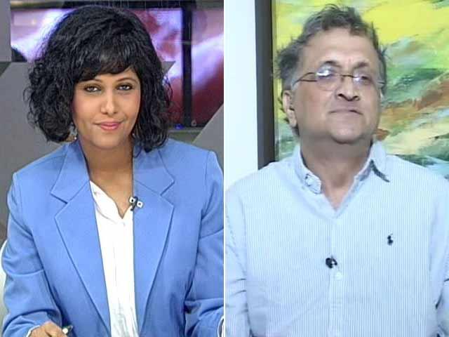 Video : Smriti Irani Deadly Combination Of Arrogance, Ignorance: Ramachandra Guha