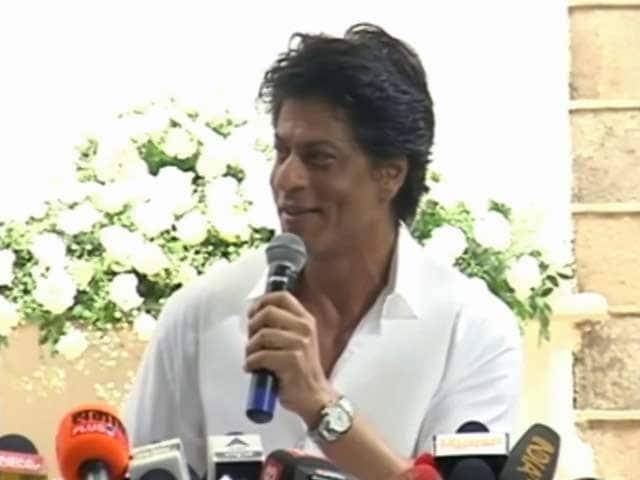 Video : बॉलीवुड सितारों की ईद! कैसी रही शाहरुख़, सलमान और आमिर की ईद
