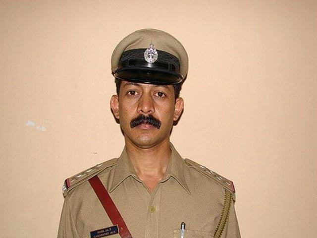 Video : After Blaming Congress Minister On TV, Karnataka Cop Hangs Himself