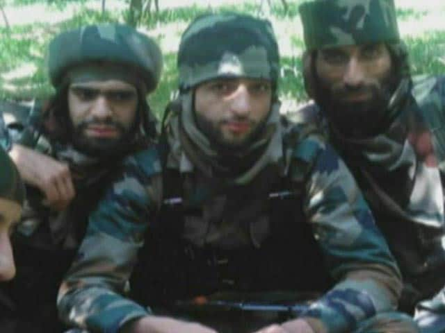 Video : 15 Dead, 200 Injured In Clashes After Terrorist Wani's Killing In Kashmir