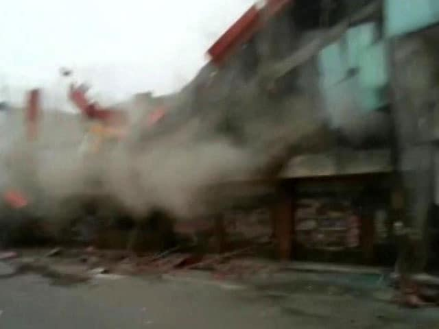 Video : 4 Killed After Building Collapses During Demolition Drive In Meerut