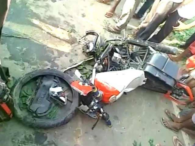 Video : 18-Year-Old Dies After Bike Collides With Union Minister's Jeep