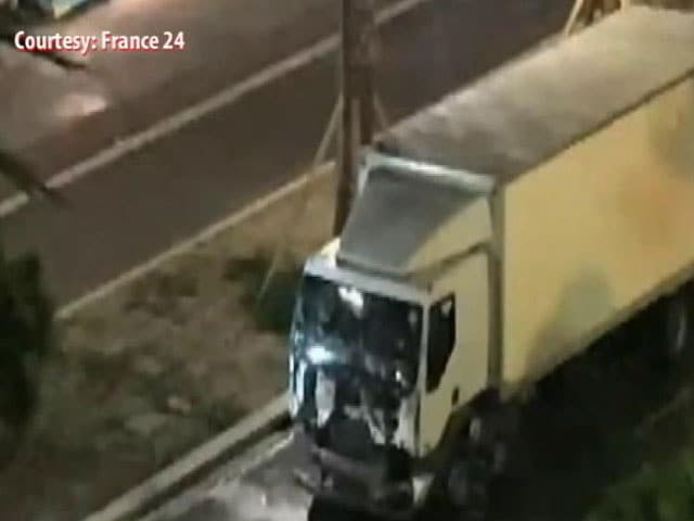 Video : Video Of Moment When Truck Ploughed Through Crowd In Nice