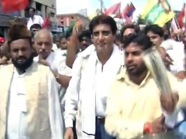Videos : शीला दीक्षित और राज बब्बर ने किया यूपी में शक्ति प्रदर्शन