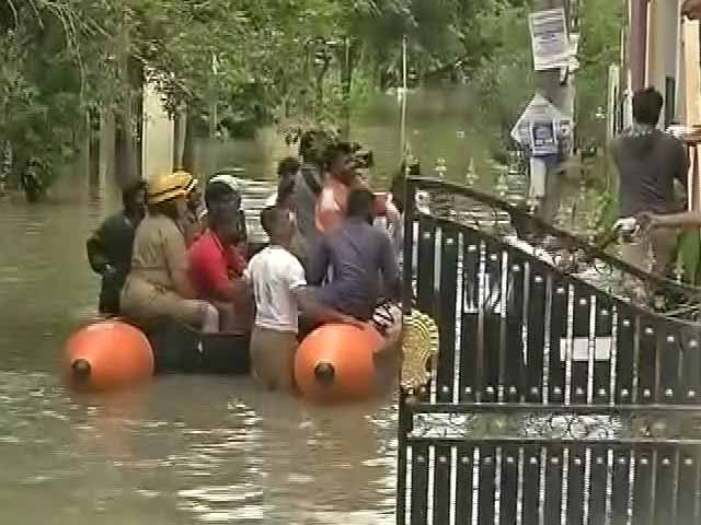 Video : Bengaluru, IT City, Uses Boats To Rescue People Stranded In Rain