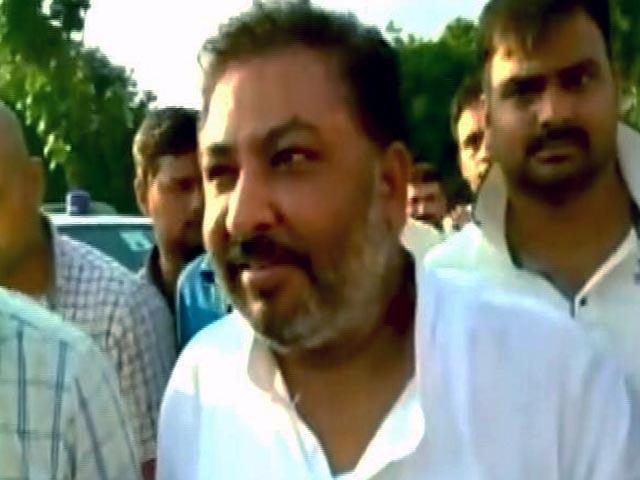 Videos : मायावती पर अभद्र टिप्पणी करने वाले दयाशंकर सिंह की बीजेपी में वापसी हुई