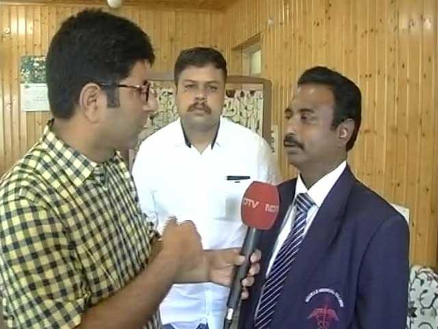 Video : Padma Awardee Retina Surgeon In Kashmir To Treat Pellet Injuries