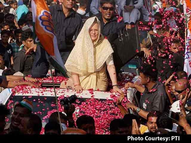 Video : Sonia Gandhi, Unwell, Aborts Roadshow In PM Modi's Varanasi