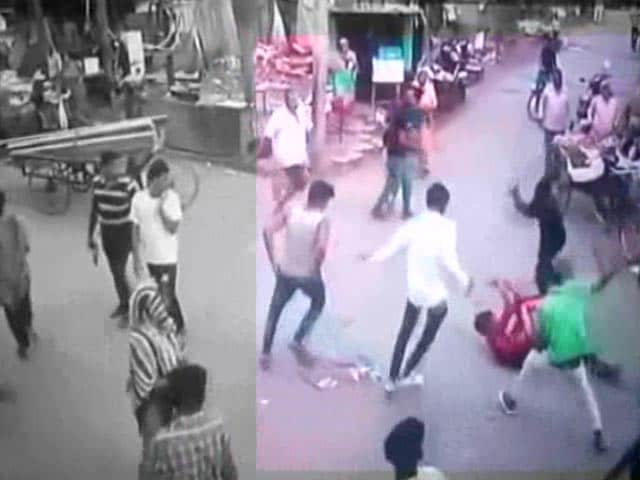 Video : 18-Year-Old Attacked With Knives In Chandigarh Market, Dies