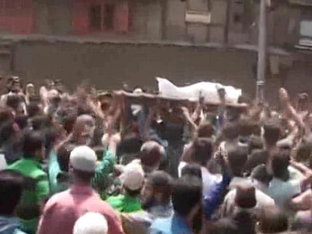 Video : Paramilitary Troops Deny Shooting Man Who Died Of Pellet Wounds In Kashmir