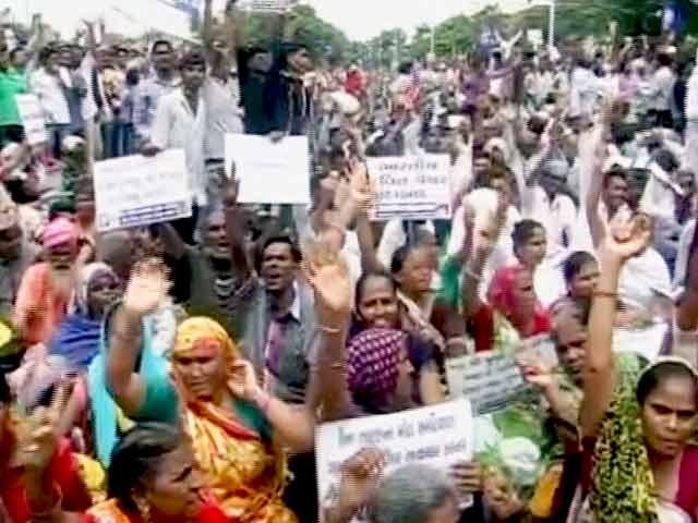 Videos : गुजरात में दलितों की दस दिनों की 'दलित ख़ून' पदयात्रा शुरू