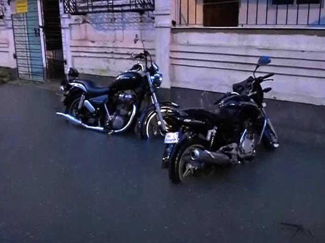 Video : Water Logging, Traffic Jams In Kolkata After Heavy Rain