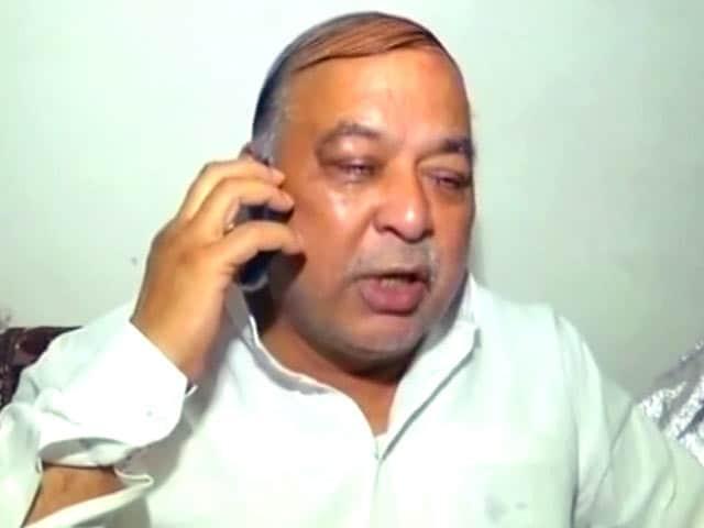 Videos : यूपी के मंत्री ने अपनी ही सरकार पर NRHM में घोटाले का आरोप लगाया