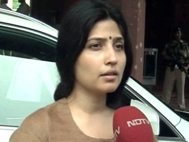 Videos : सिर्फ़ यूपी में नहीं, अपराध पूरे भारत में हो रहे हैं : डिंपल यादव