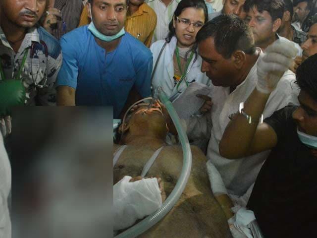 Videos : गाजियाबाद में बीजेपी के वरिष्ठ नेता बृजपाल तेवतिया के काफिले पर फायरिंग